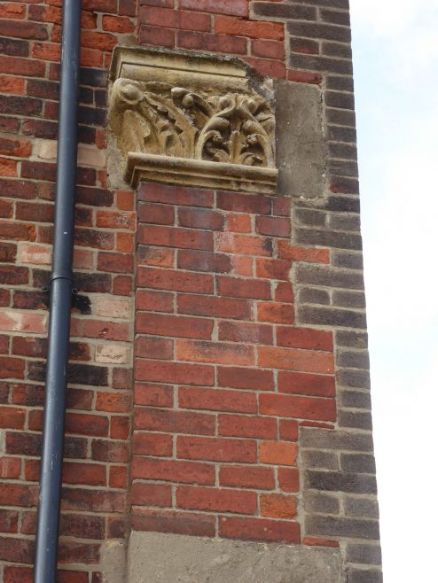 Shepshed-WM-Chapel-damaged-pilaster-capital-17.4.2019