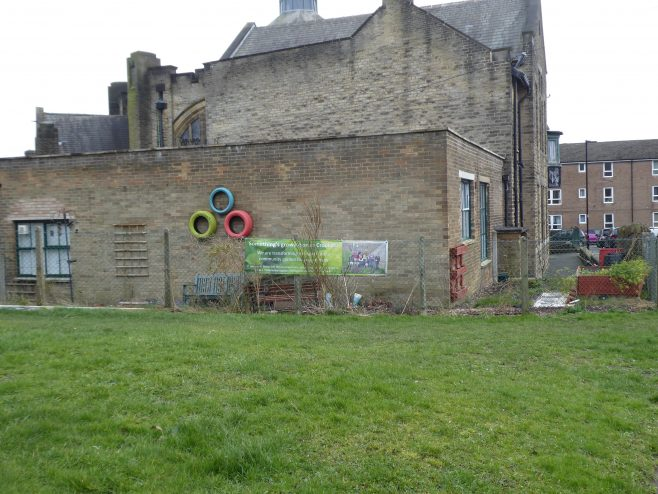 03 Sheffield, Crookes, Wesley Hall, modern extension and community garden, 14.2.2020
