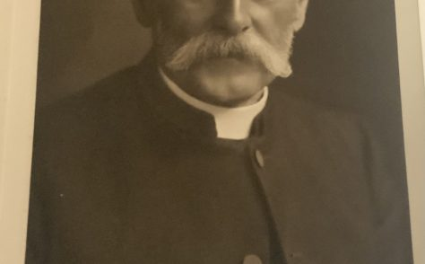 Rev Fredric W MacDonald
