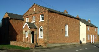 Cardington WM showing schoolroom on the left and Chapel keeper's cottage on the right