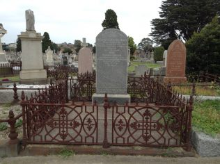 Grave of William and Sarah Binks in Brighton General Cemetery, Melbourne, Australia